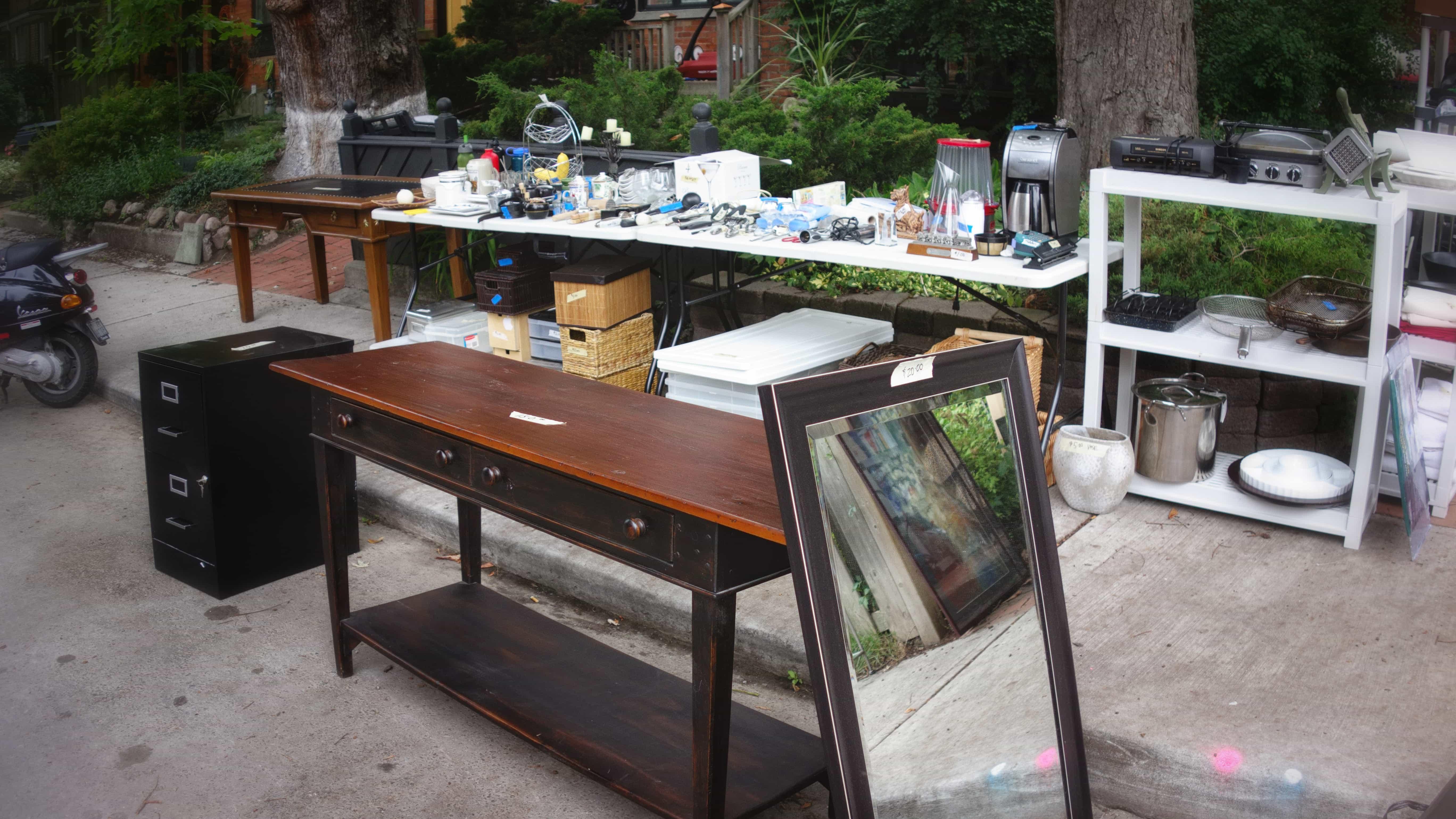 Yard Sale 2.ARW