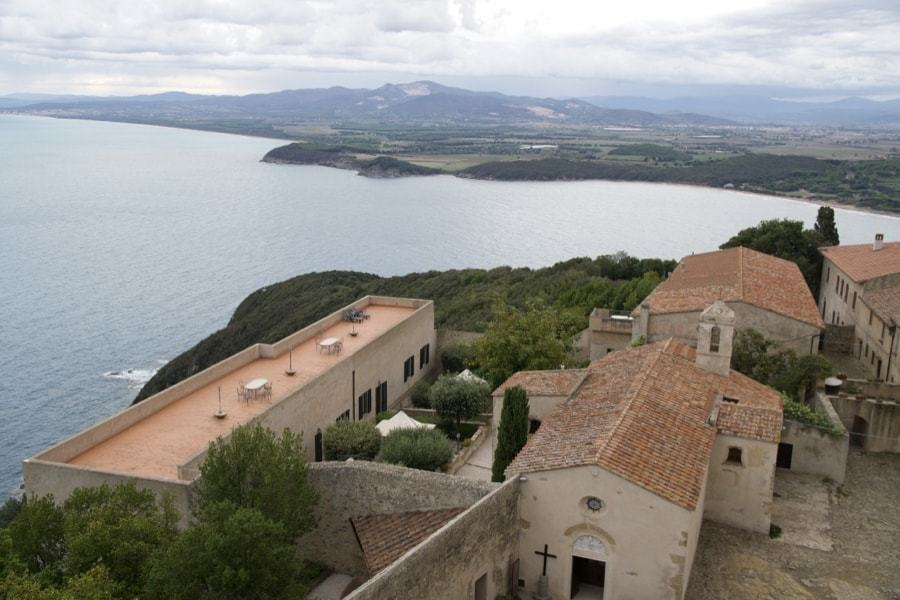 Best towns in Tuscany - views of Populonia