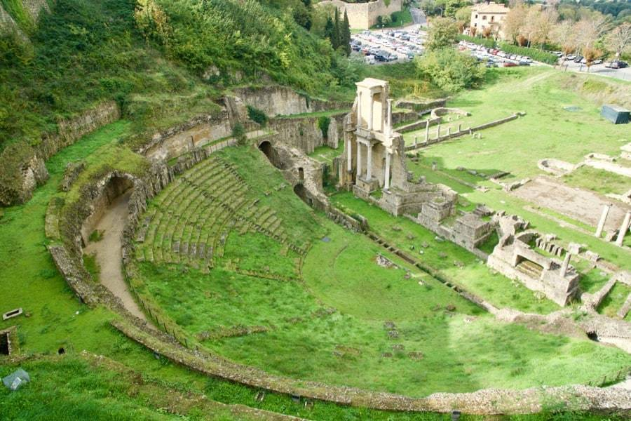 Best towns in Tuscany - picture of the Volterra ruins
