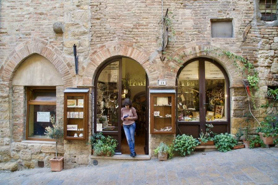 Best towns in Tuscany - streets and markets of Volterra