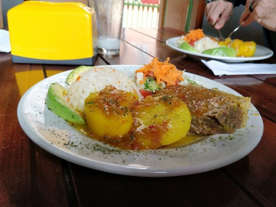 plate of almuerzo from la gruta in Jerico Colombia