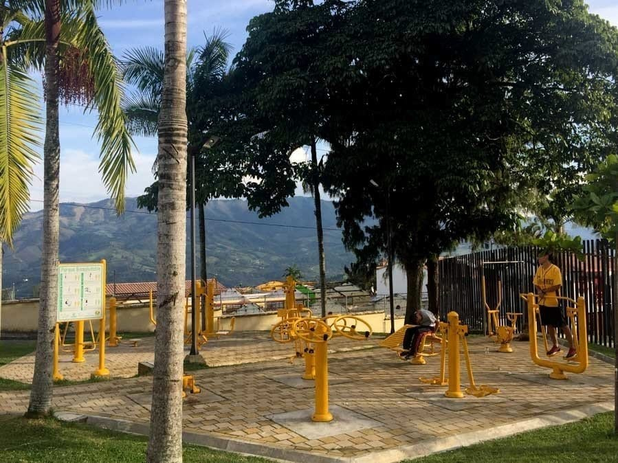 outdoor workout gyms in Jerico