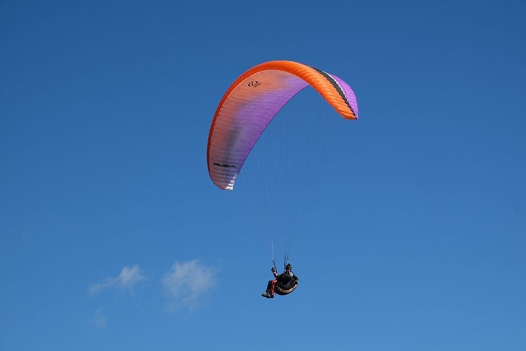 paragliding one of the adrenaline pumping things to do in Gozo