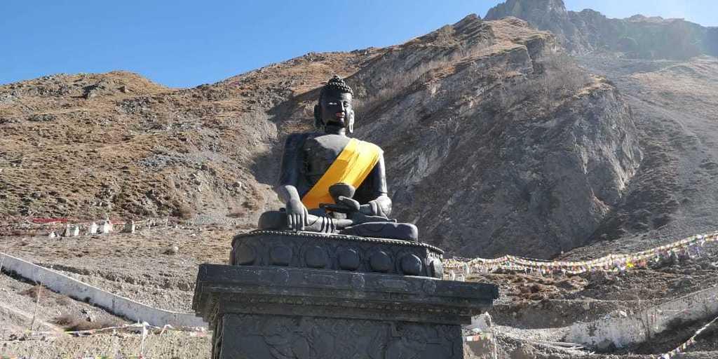 About Nepal - Buddhist Statues